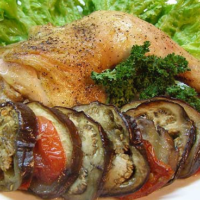 Курица, запеченная с баклажанами
