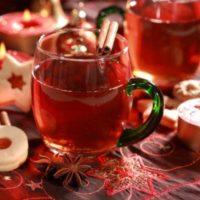 Чай с пряностями и клюквой»>